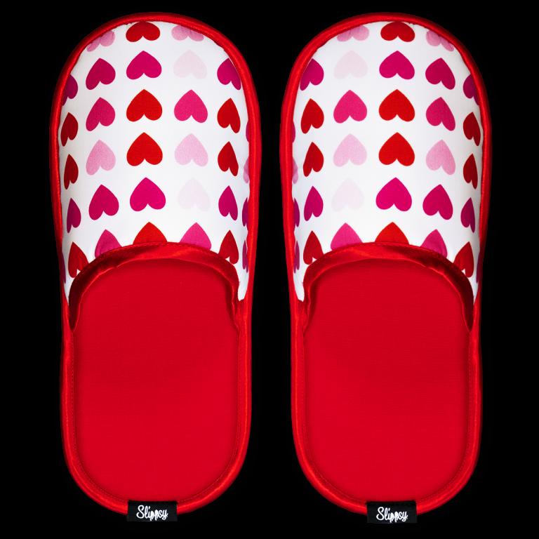 Papuče s červenými srdiečkami